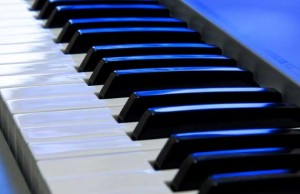 Learn to play the piano or keyboard with Glenn Sutton